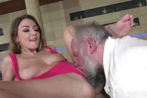 Teen temptress Emerald Ocean gets pussy drilled by a very old man