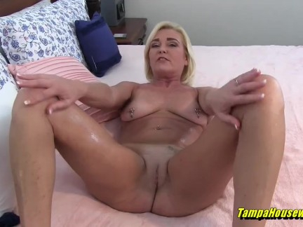 Sexy Slut That Knows How to Make You Cum